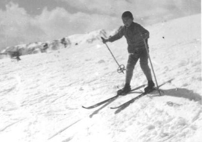 firstski.jpg (19721 バイト)